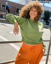 Lisa Says Gah product